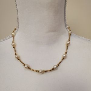 Women's pearl necklace.